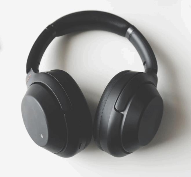 welke-zijn-beter-koptelefoons-of-oordopjes