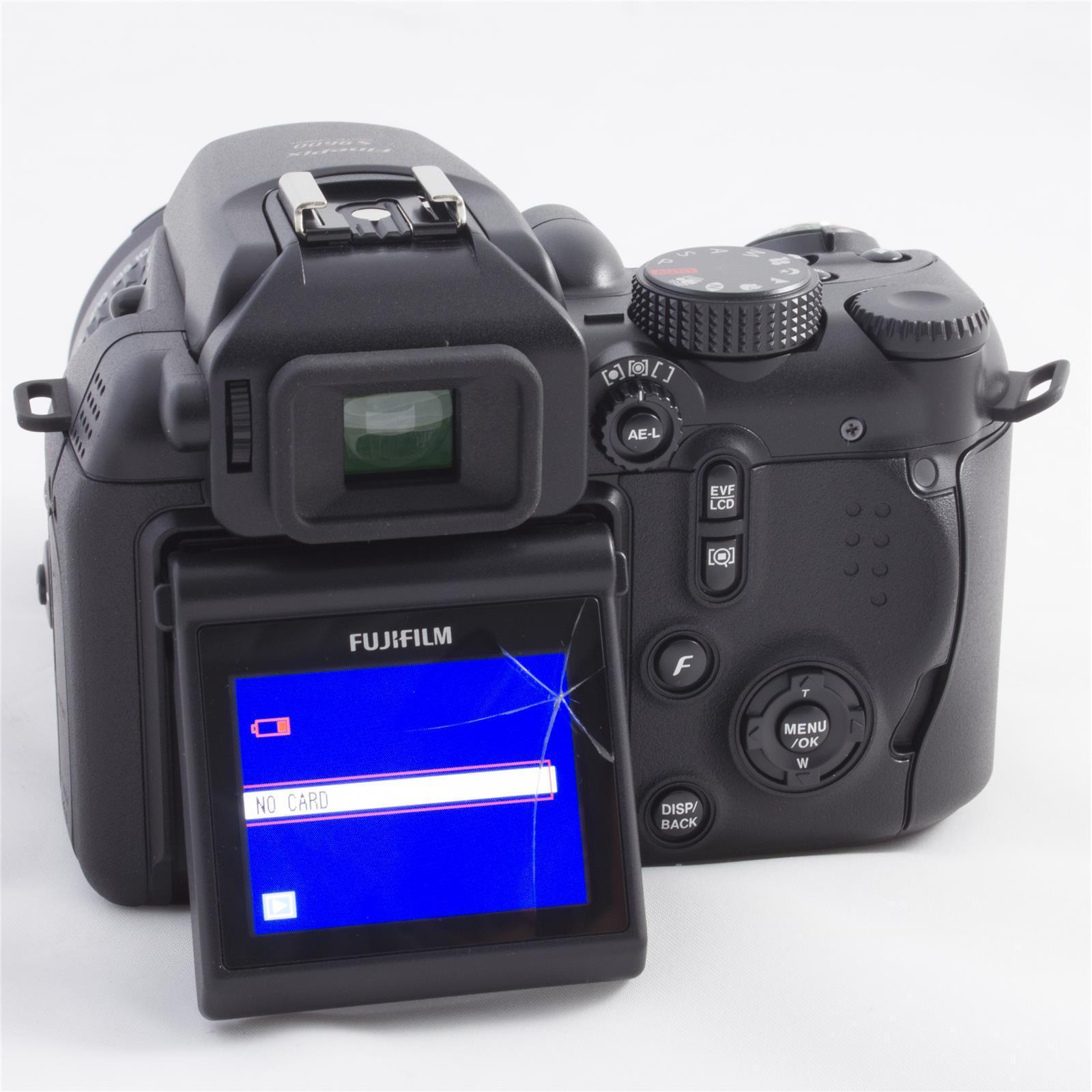 Fujifilm - FinePix S9600 9 MP