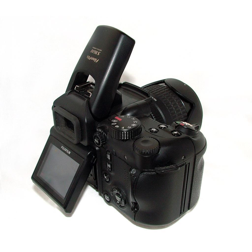 Fujifilm FinePix S9600 Bridge 9 - Preto