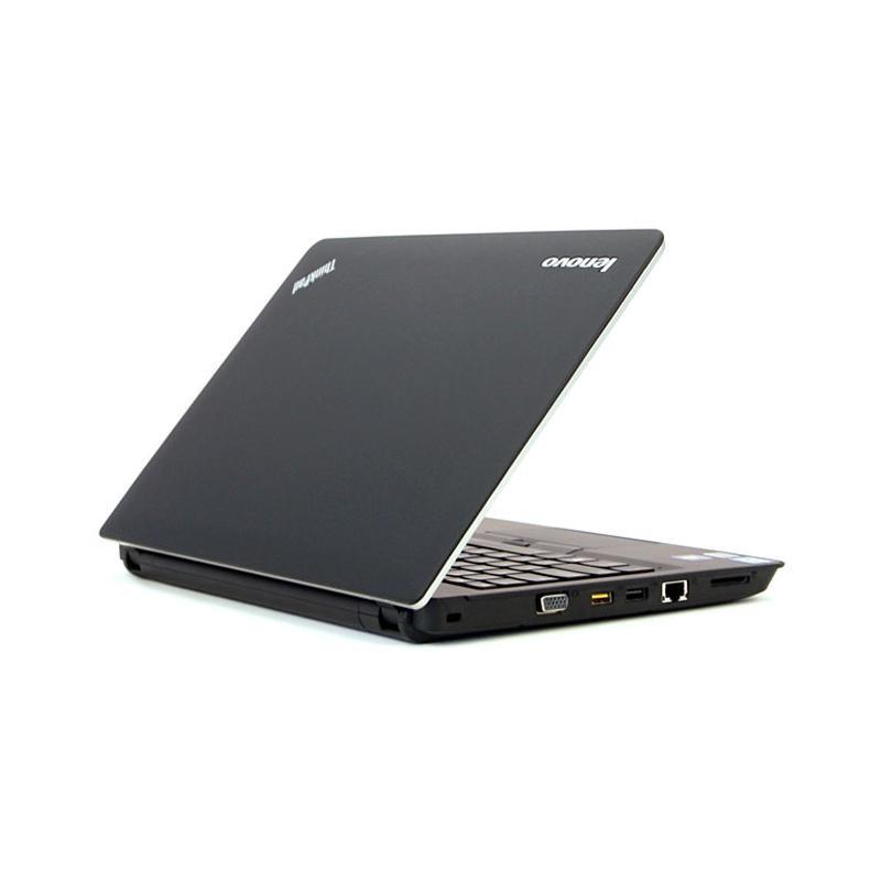 "Lenovo ThinkPad Edge E320 13,3"" Core i3-2330M 2,2 GHz  - HDD 320 Go - RAM 4 Go"