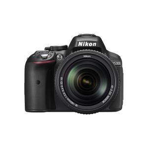 Reflexkamera - Nikon D5300 - Schwarz + Nikkor-Objektiv 18-140 mm