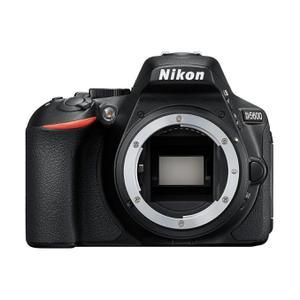 Reflex Nikon Pf D5600 - Negro + Lente 18 - 140 VR + FT + SD8G