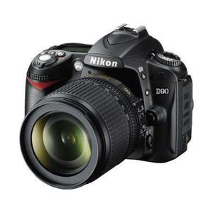 Reflex - Nikon D90  schwarz + Objektiv  Nikon AF-S DX VR-18-105 mm 1: 3,5 - 5,6 G ED