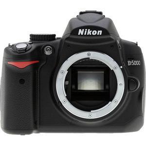 Reflex - Nikon D5000 Noir Nikon AF-S DX Nikkor 18-105mm f/3.5-5.6G ED VR