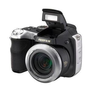Puolijärjestelmäkamera Fujifilm FinePix S8100FD Musta/Hopea + Objektiivi Fujifilm Finepix 27-486 mm f/2.8-4.5