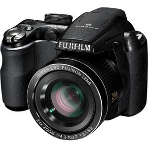 Kompakt Bridge Kamera FujiFilm FinePix S3200 Schwarz + Objektiv FujiFilm Super EBC 24-576 mm f/3.1-5.9