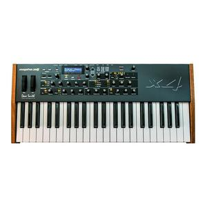 Clavier synthétiseur analogique Dave Smith Mopho X4