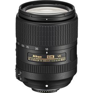 Nikon Objektiv F 18–300mm f/3.5-5.6