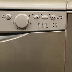 Lave-vaisselle 60 cm Indesit DWL-DEA700-B - Couverts