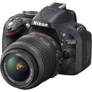 Reflex - Nikon D5200 - Noir + objectif Nikon AF-S DX 18-105mm