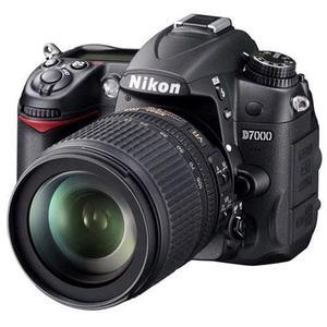 Spiegelreflexcamera Nikon D7000 Zwart - Lens Nikon AF-S Nikkor 18-105 mm f/3.5-5.6G ED