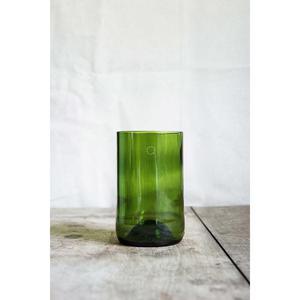 4 longs verres verts, fabriqués à partir de culs de bouteilles.